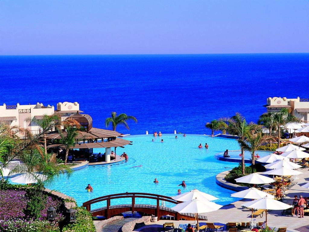 A view of the pool at Concorde El Salam Sharm El Sheikh Front Hotel or nearby
