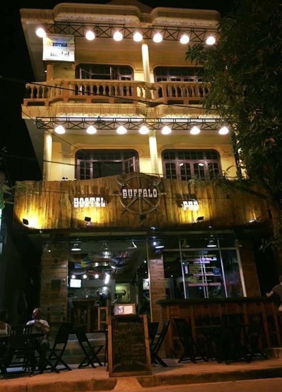 Buffalo Pub and Hostel
