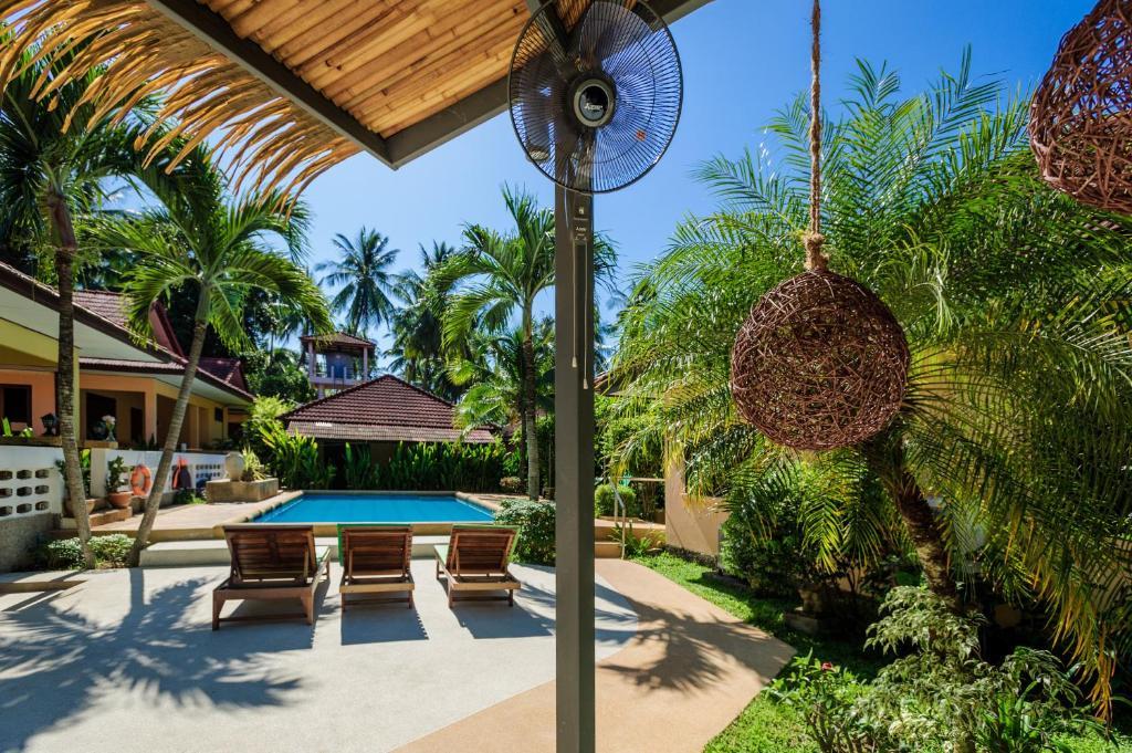 Piscine de l'établissement Samui Green Space Resort ou située à proximité