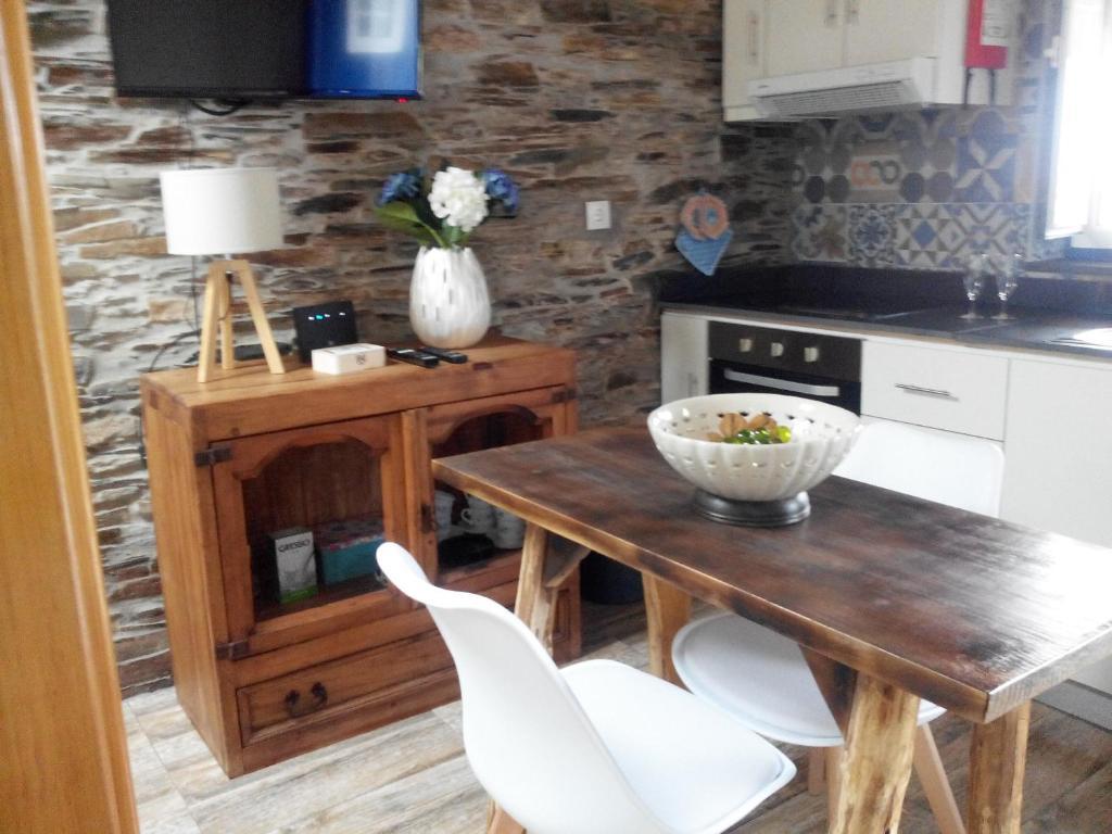 Virtuve vai virtuves aprīkojums naktsmītnē Casa da Alta