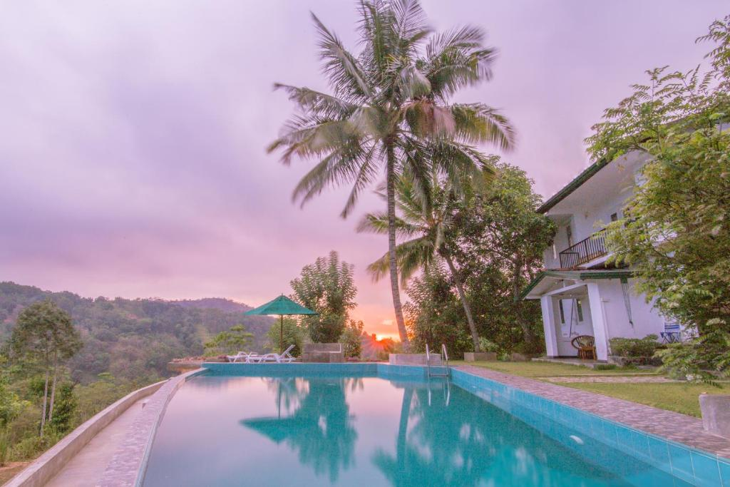 The swimming pool at or close to Old Frankland Kandy Luxury Boutique Hotel