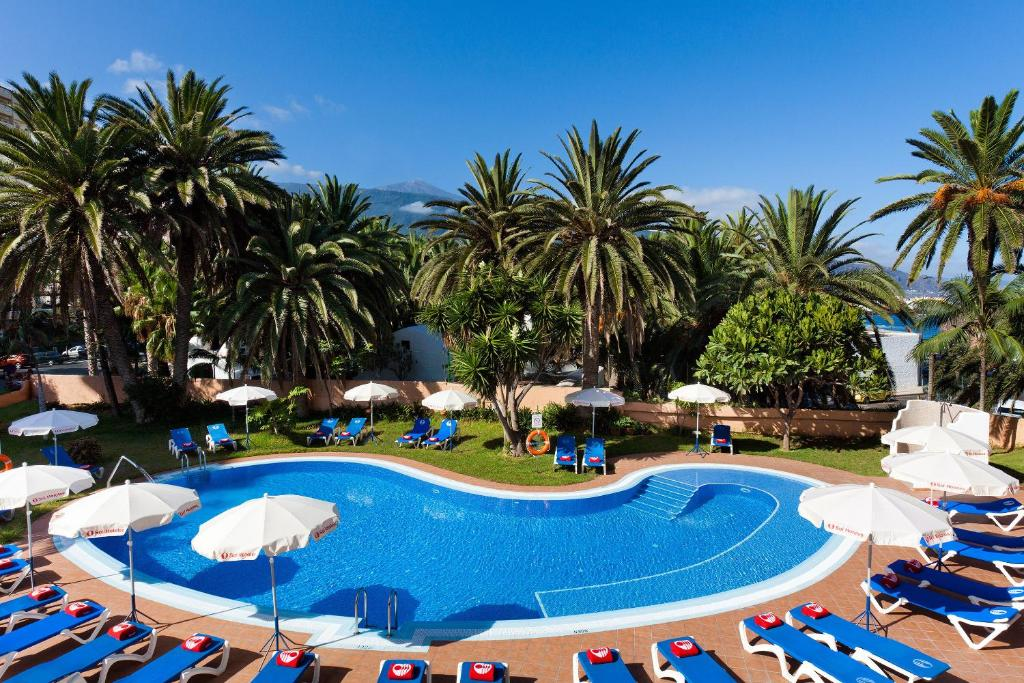 The swimming pool at or near Sol Puerto de la Cruz Tenerife