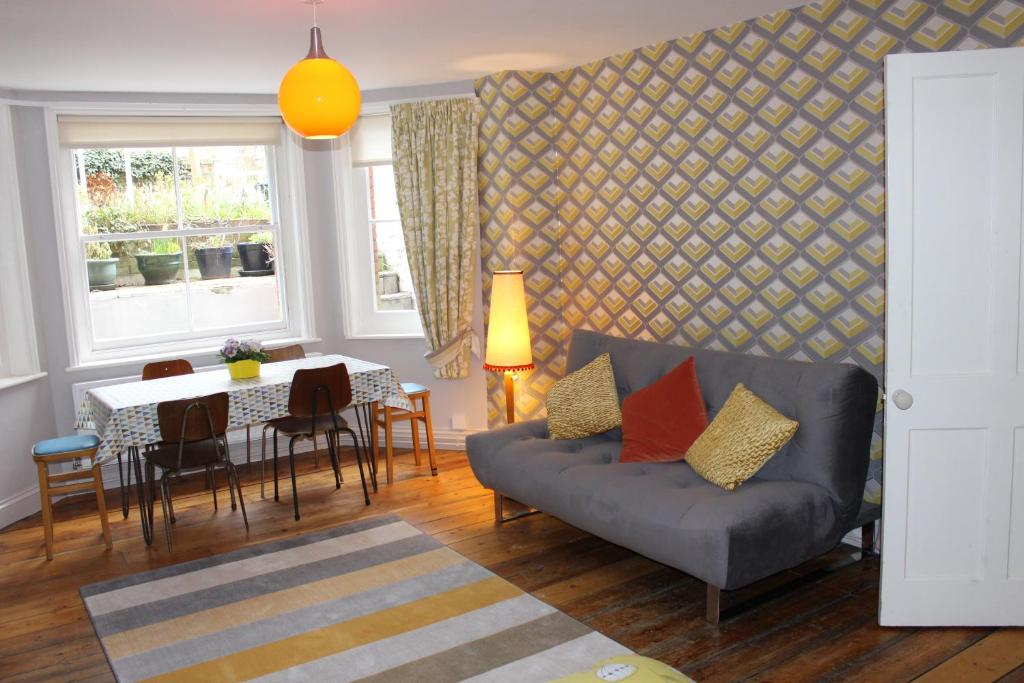 A seating area at 29 Unthank Road