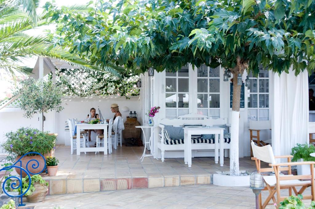 A restaurant or other place to eat at Villa Ippocampi - Adults Only