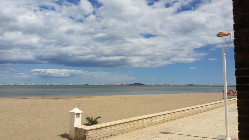 Resultado de imagen de playa de los nietos,la manga del mar menor