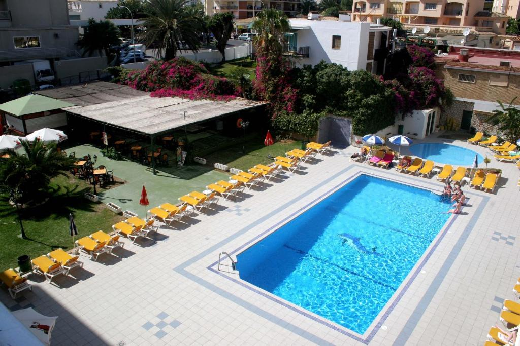 A view of the pool at Apartamentos Buensol or nearby
