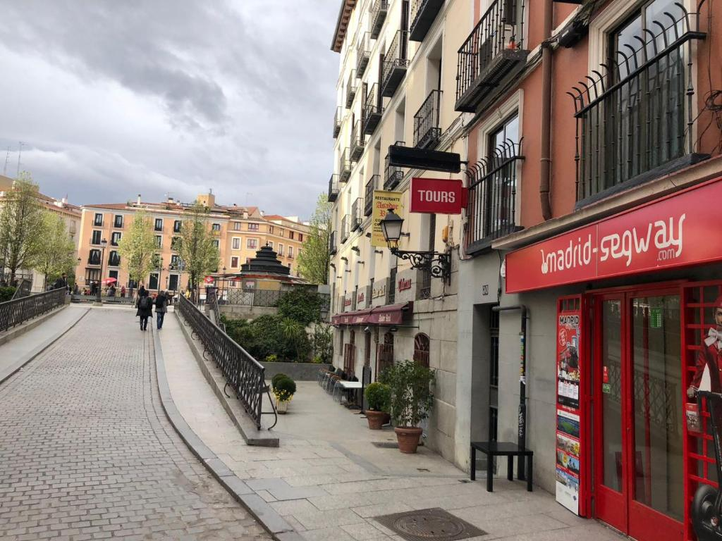 Apartment Lovely Flat in Opera, Madrid, Spain - Booking.com