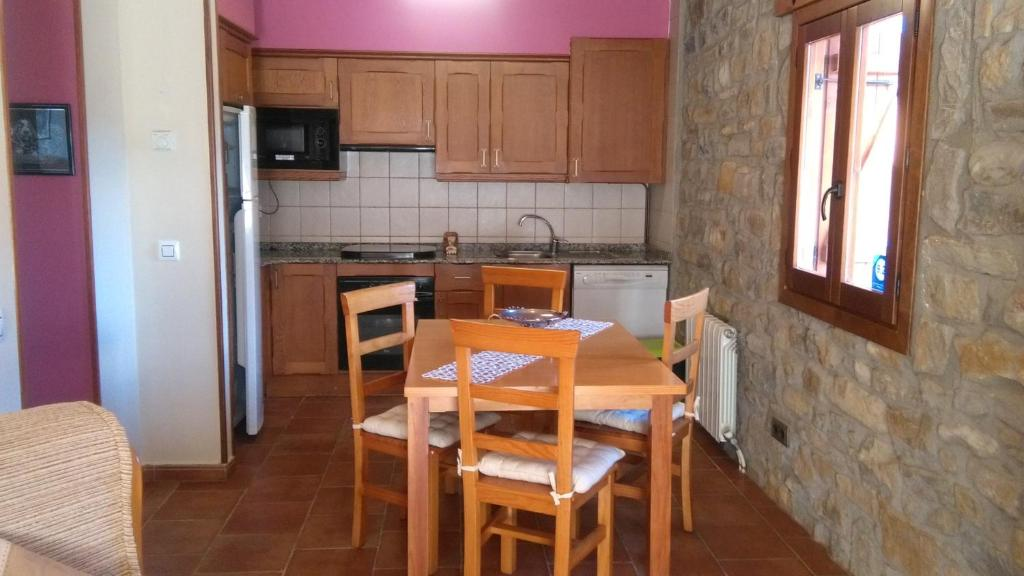 Apartment Casa Rafela, Campo, Spain - Booking.com