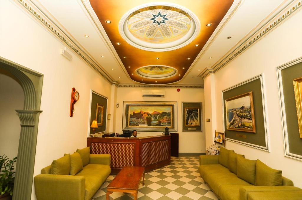 The lobby or reception area at Al Shorouq Hotel Apartments