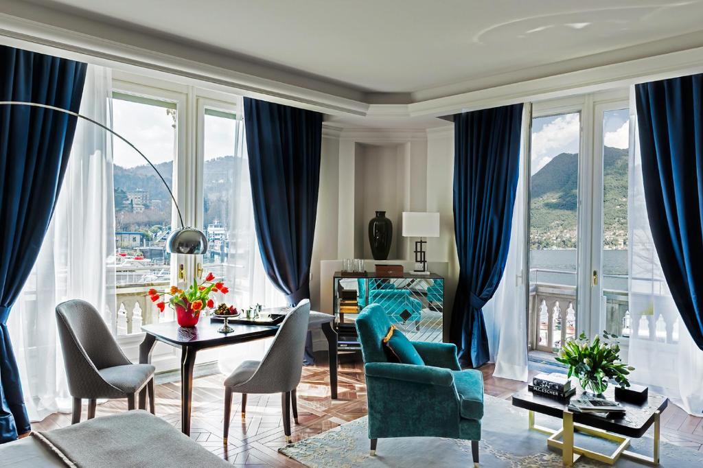 Een zitgedeelte bij Vista Palazzo - Small Luxury Hotels of the World