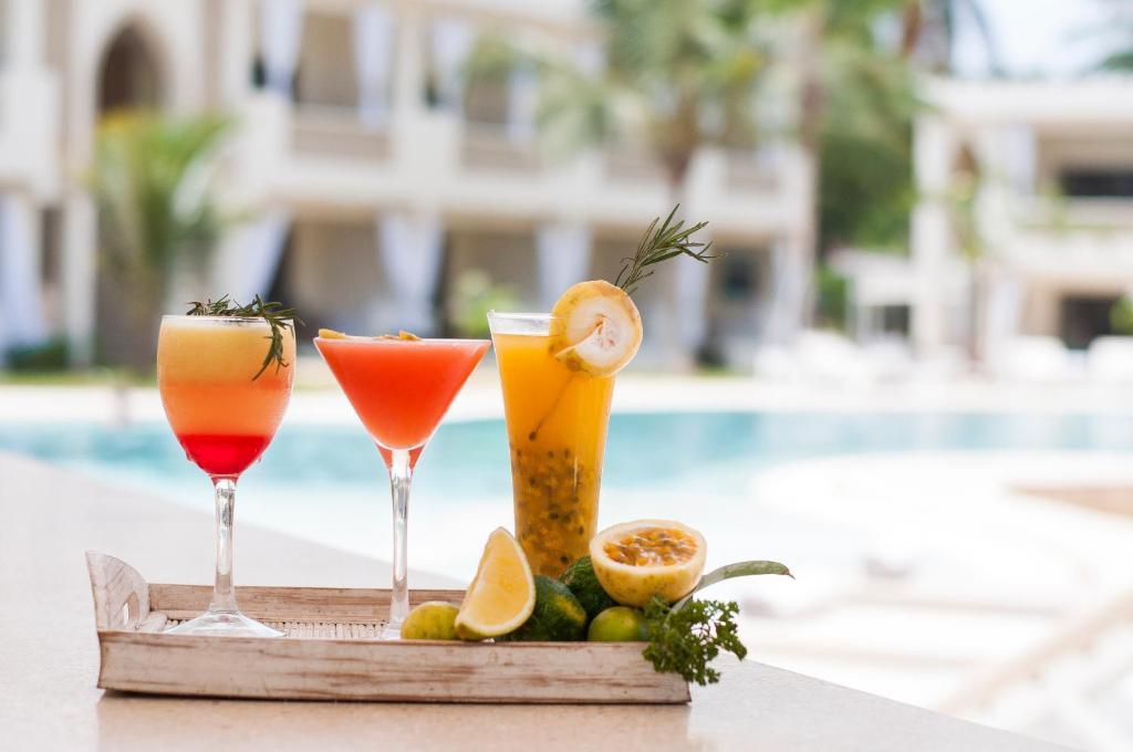 Drinks at Sandies Malindi Dream Garden