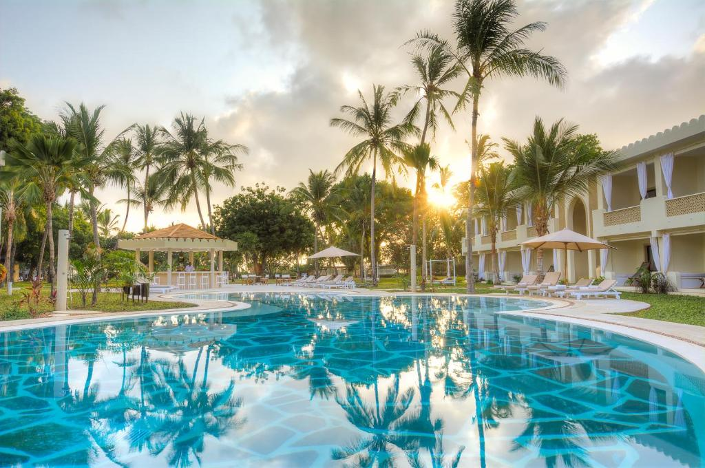 The swimming pool at or close to Sandies Malindi Dream Garden