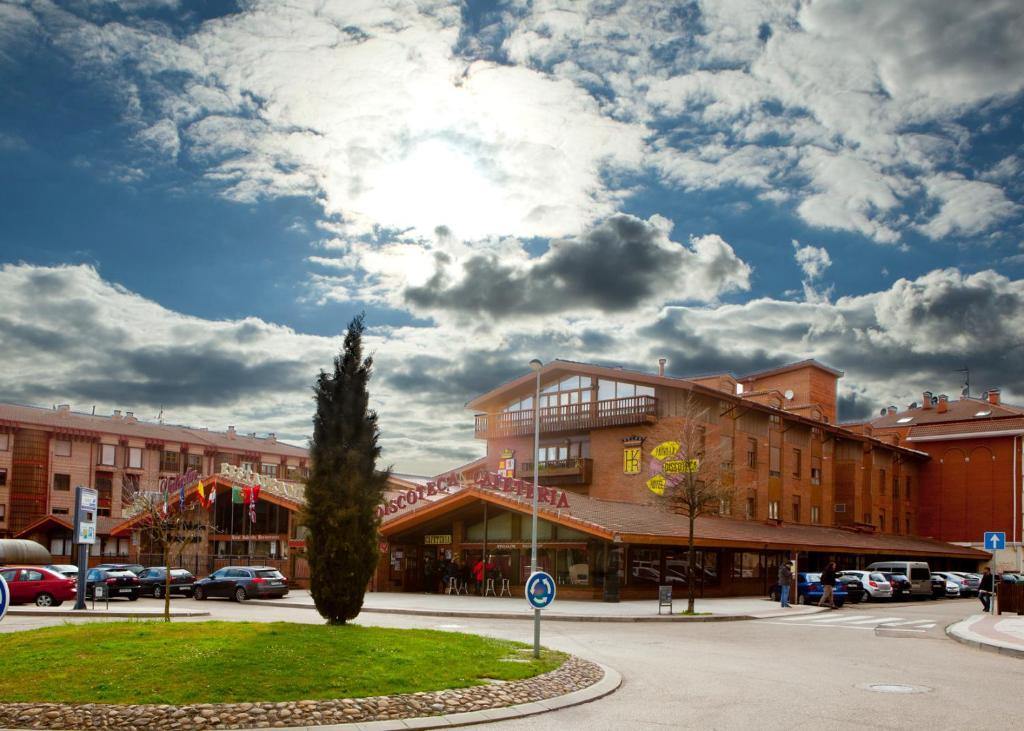 Hotel Valentin, Aguilar de Campóo, Spain - Booking.com