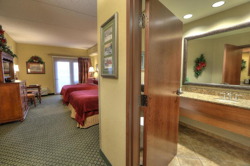 Christmas Inn.Inn At Christmas Place Pigeon Forge Tn Booking Com