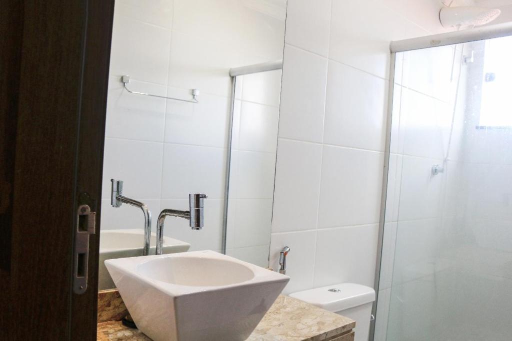 A bathroom at Apartamento na praia dos milionários