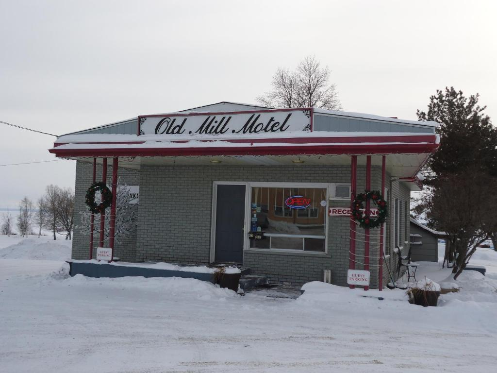 Old Mill Motel during the winter