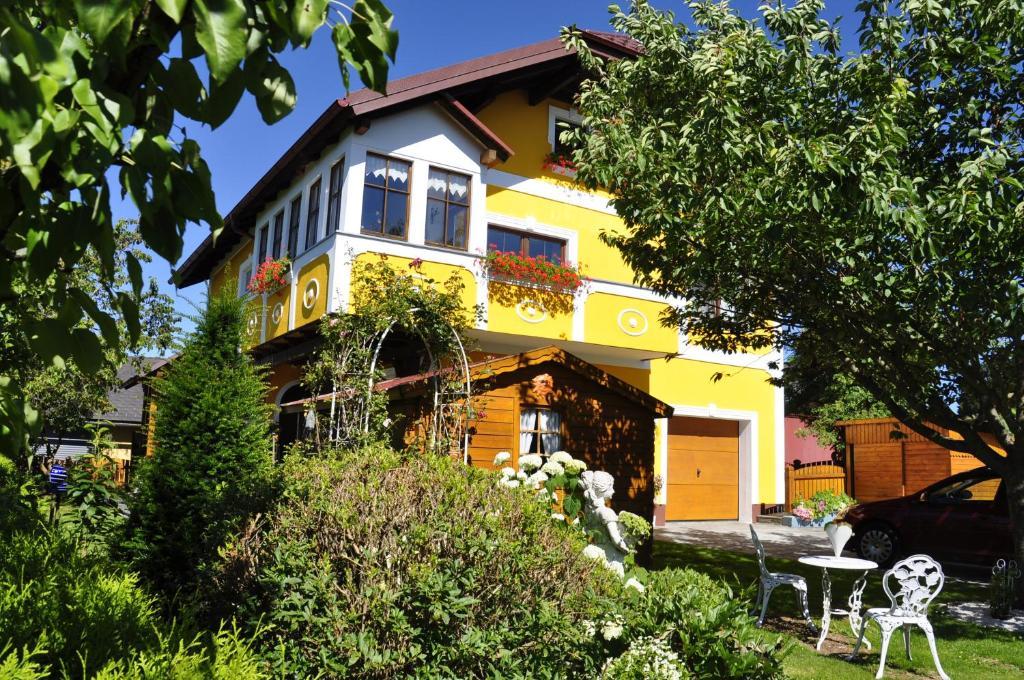 Hotel Hinterdorfer, Unterweissenbach, Austria - blaklimos.com