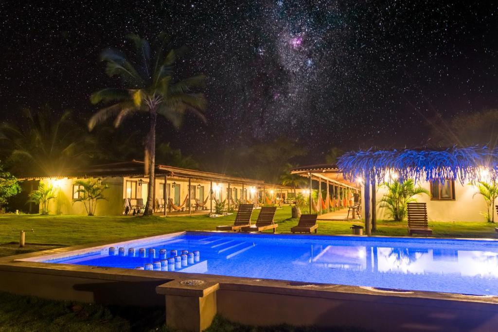 Het zwembad bij of vlak bij Beach Break Hotel & Surf Camp de Playa Venao