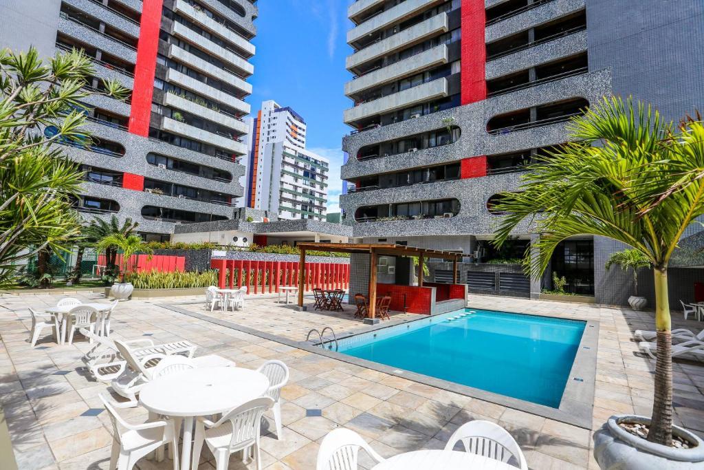 A piscina localizada em Recife Flat Service ou nos arredores