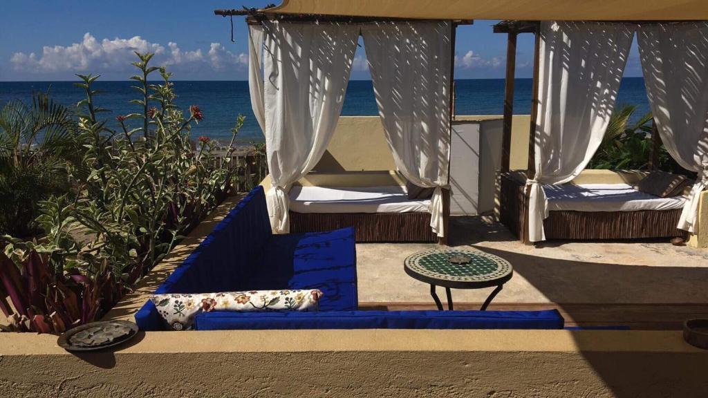 Katamah Beachfront Guesthouse Treasure Beach Jamaica