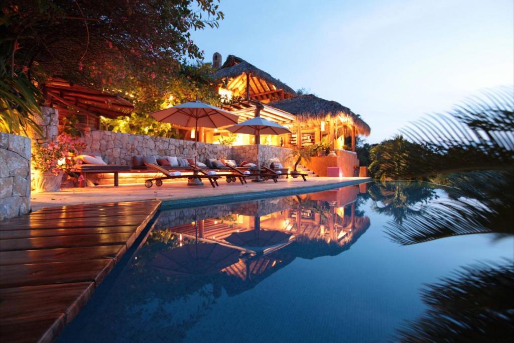 Hotel Amuleto (México Zihuatanejo) - Booking.com
