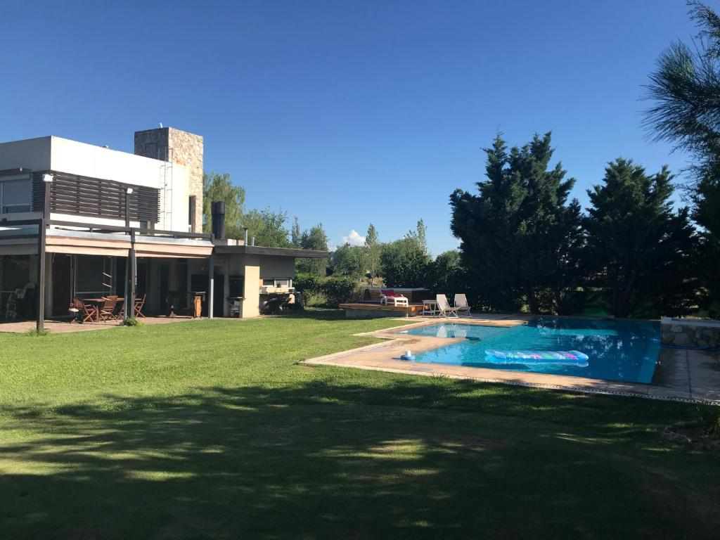 Casa de vacaciones Casa del Lago (Argentina Roldán ...
