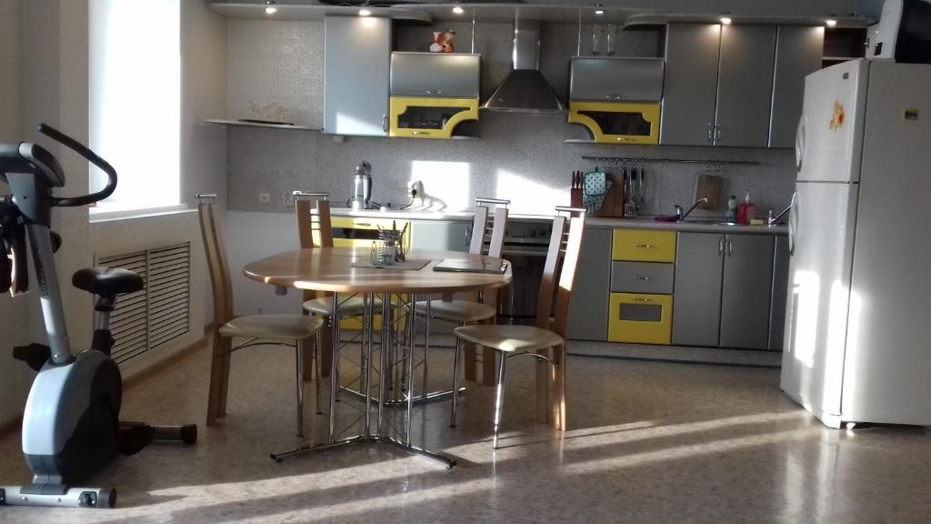 Кухня или мини-кухня в апартаменты на набережной
