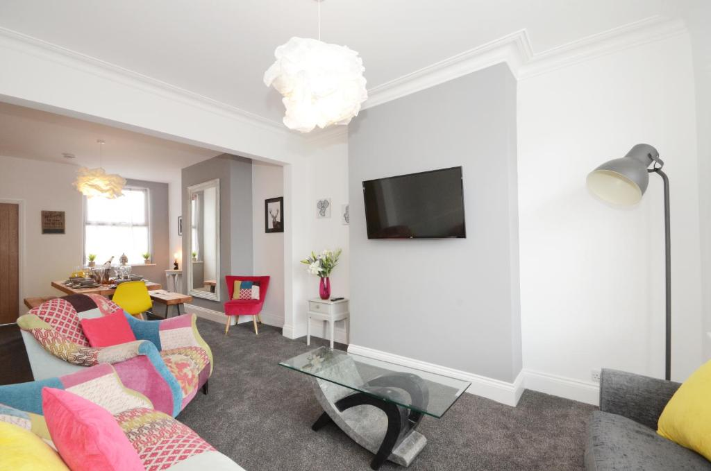 A seating area at York Boutique House-3 Bedroom spacious & stylish property