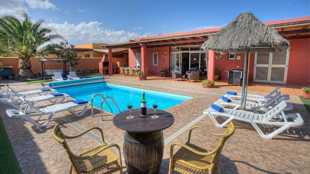 Luxury & Comfort - Villa Romana, Caleta De Fuste, Spain ...