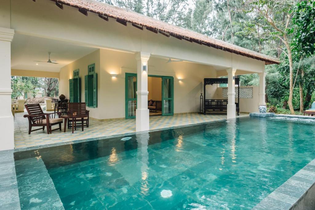 Biệt thự Indochina với Hồ bơi