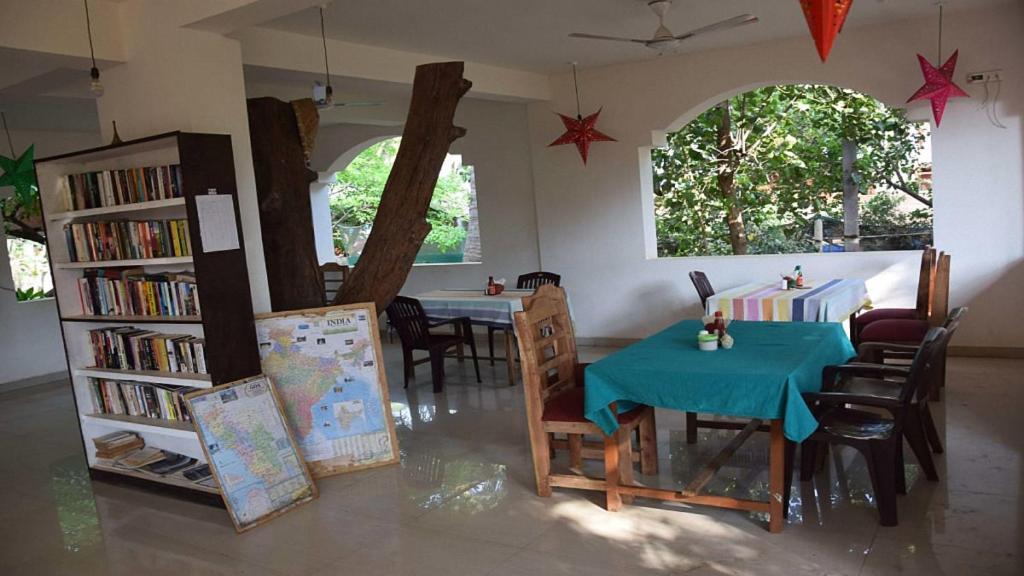 Ресторан / где поесть в Goan Cafe N Resort