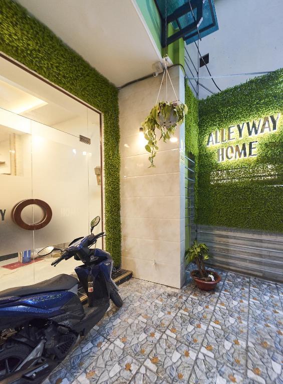 Alleyway Home