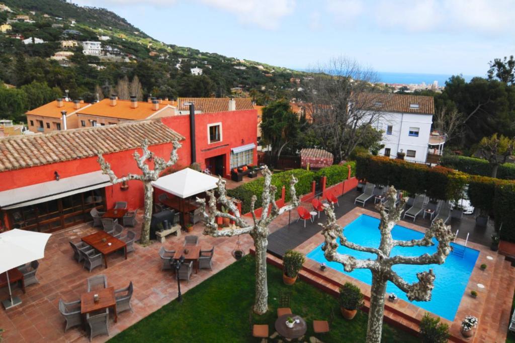 Vista de la piscina de Mas de Baix o alrededores
