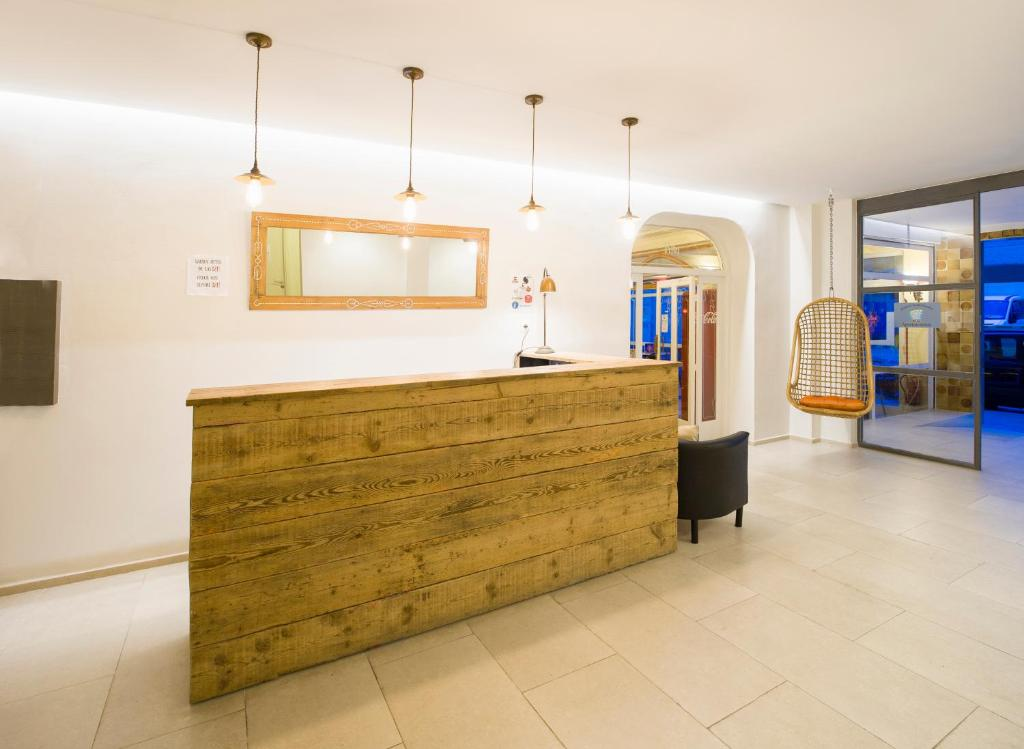 The lobby or reception area at Apartamentos Rita