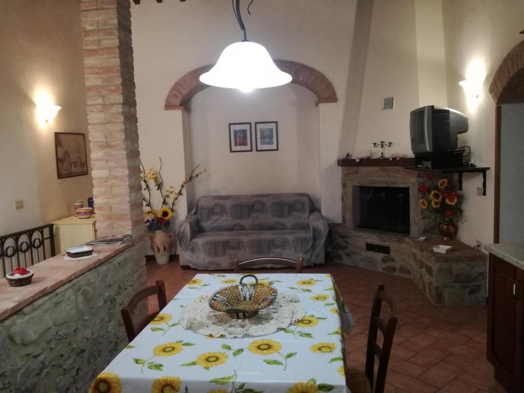 Casa il Ponte, Chianni (met fotos & beoordelingen ...