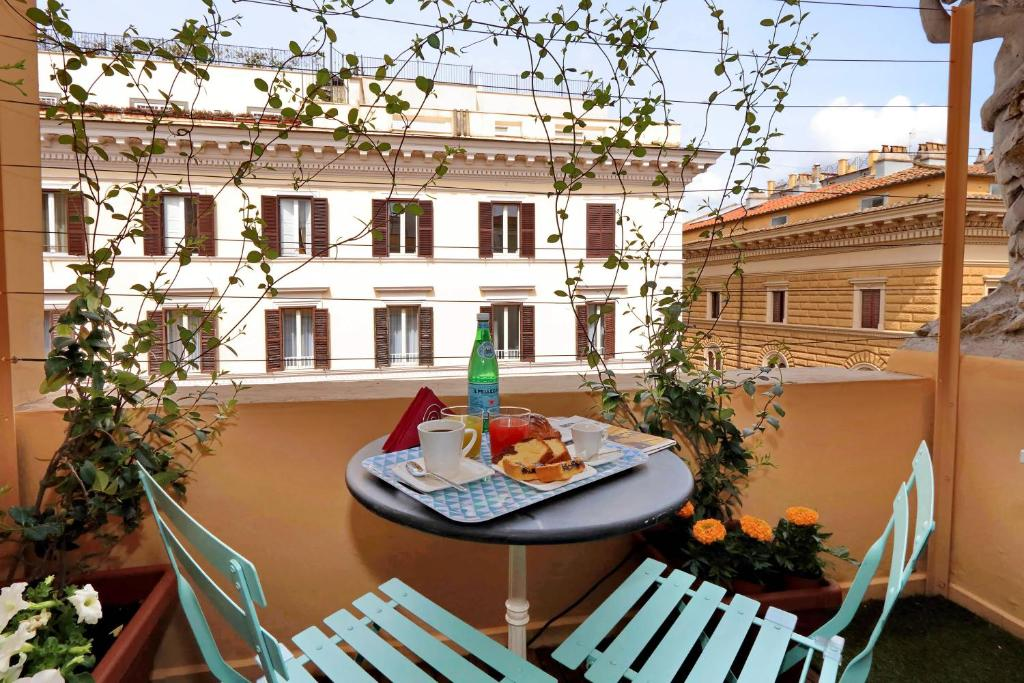 Guesthouse Relais Vittoria Colonna Rome Italy Booking Com