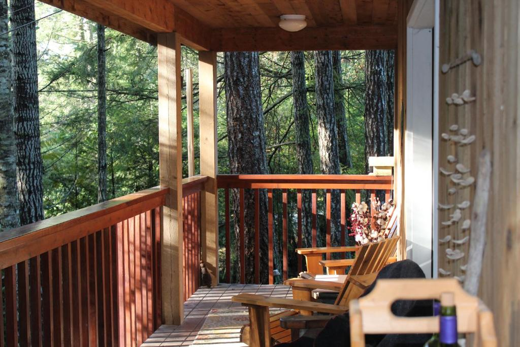 A balcony or terrace at The Perch on Gabriola