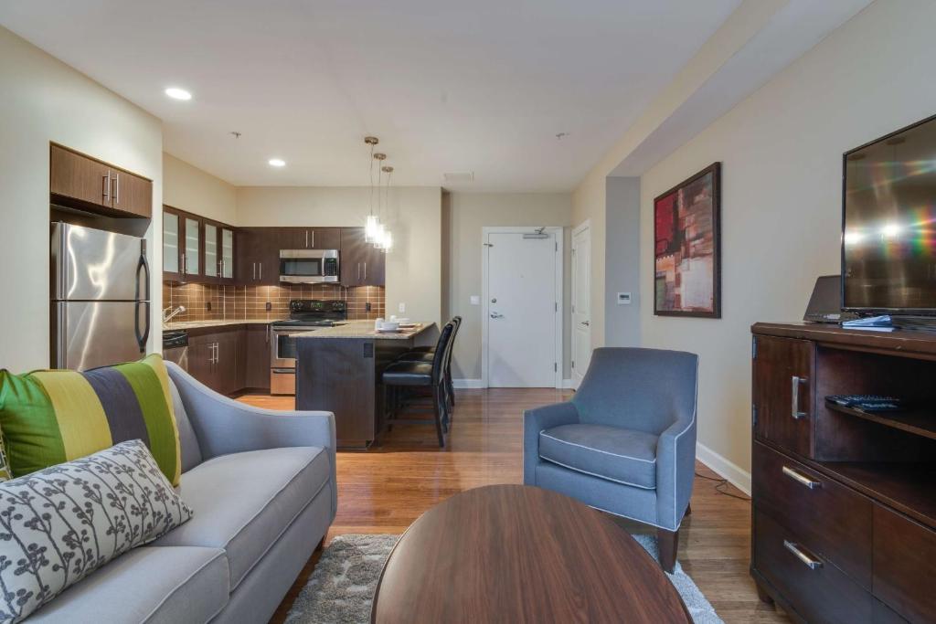 Apartment Bluebird Suites Near Autozone Park Memphis Tn