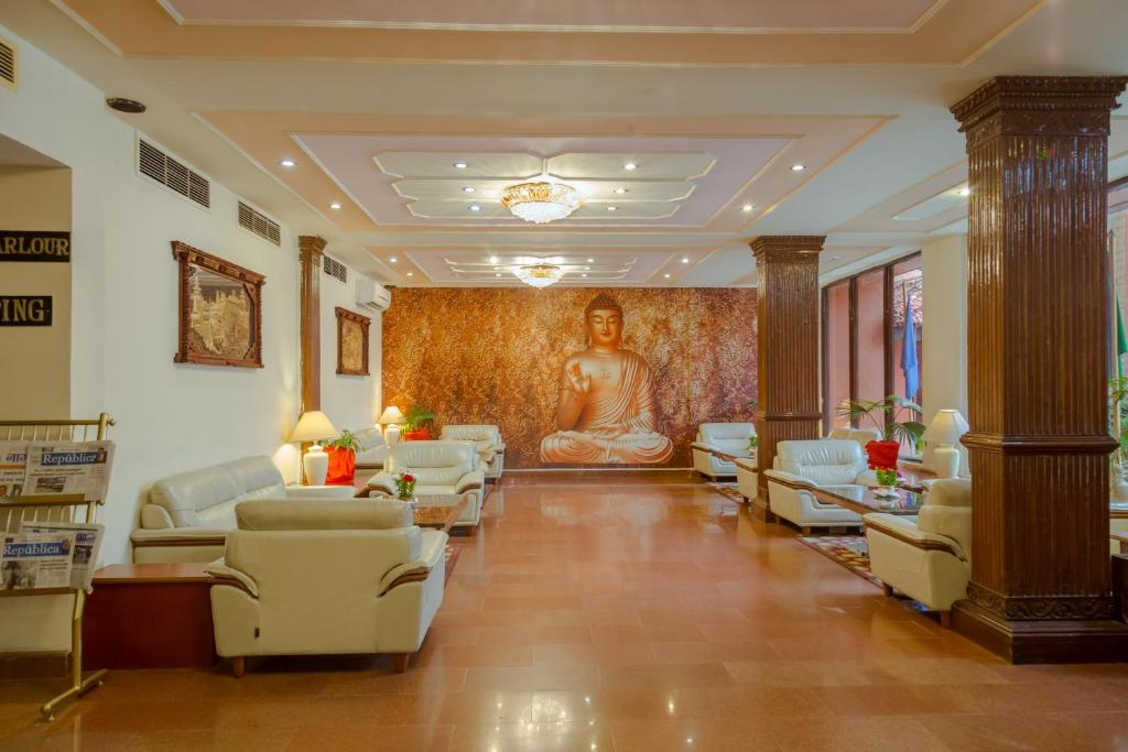 The lobby or reception area at Hotel Vaishali