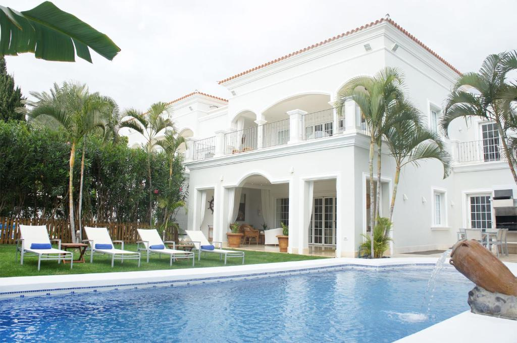 Villa Esplendida, Adeje, Spain - Booking.com