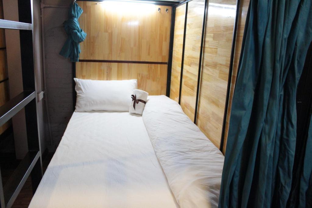 Giường Tầng ở Phòng ngủ tập thể của Nữ