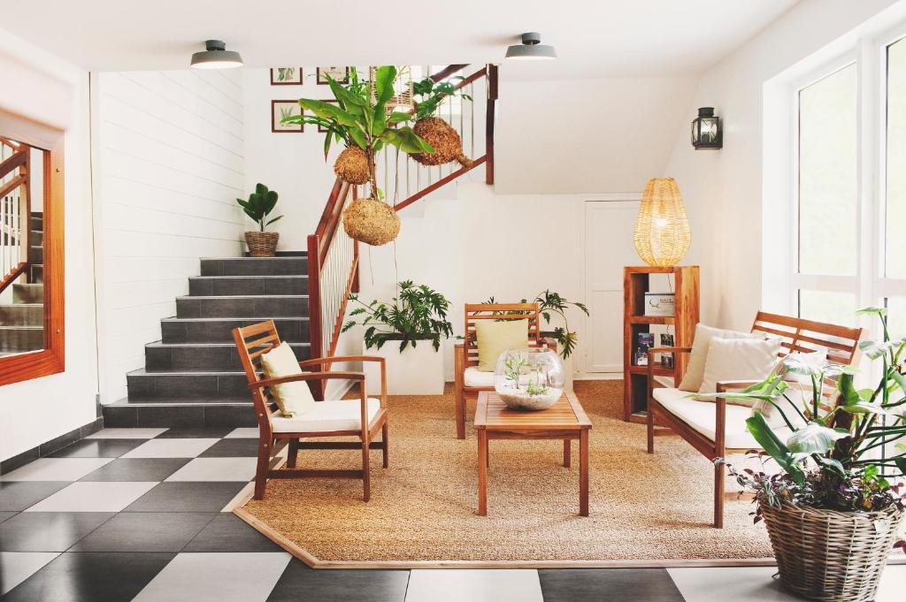 Res Tropic Appart Hotel Saint Gilles Les Bains Reunion Booking Com