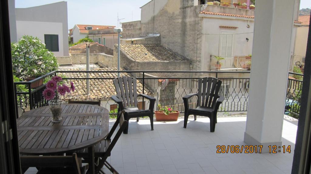 Apartment La Sterlizia Mondello Italy Booking Com