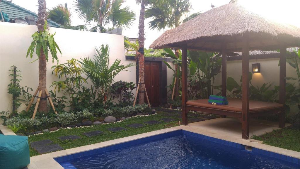 The swimming pool at or close to Bisma Tuban