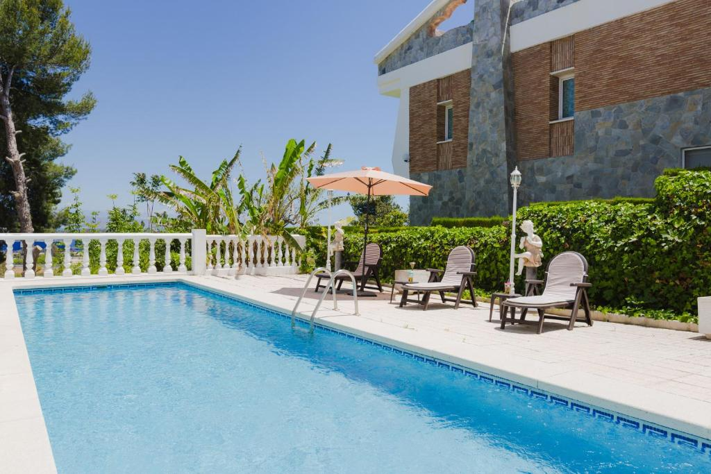 Luar, preciosa villa con piscina en Málaga, Torremolinos ...