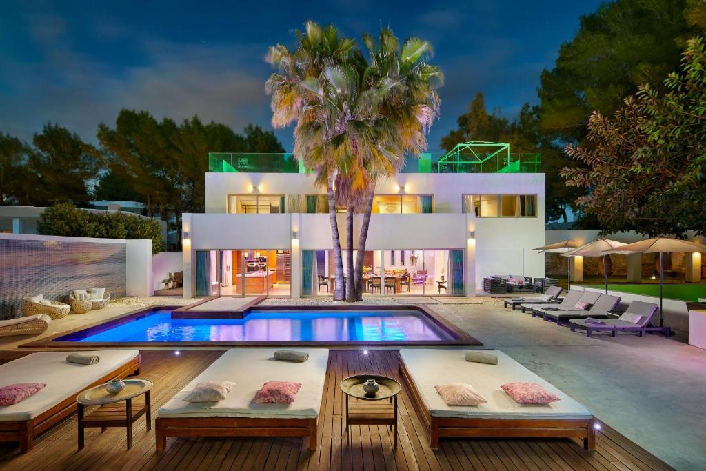 Villa Casa India Ibiza, Santa Eularia des Riu, Spain ...