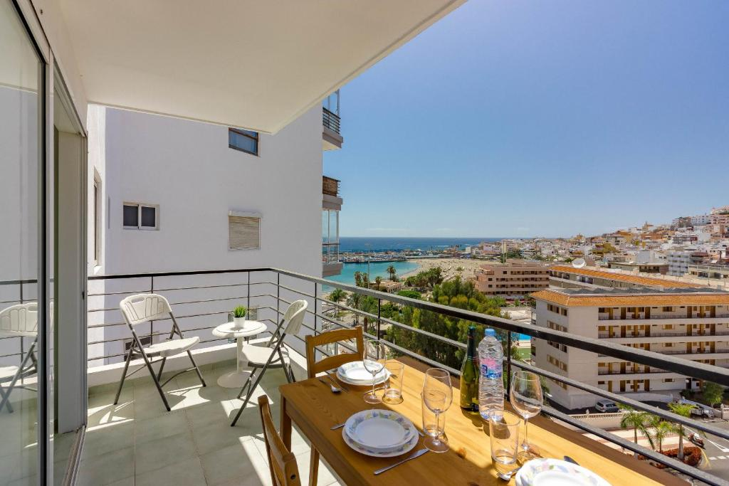 La Estrella 1A001, Los Cristianos – Updated 2019 Prices