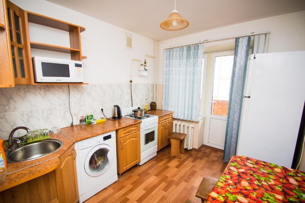 Кухня или мини-кухня в Квартира у Автовокзала