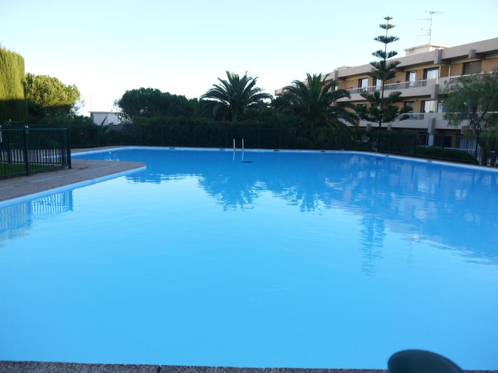 The swimming pool at or close to Résidence Ciel de Fabron