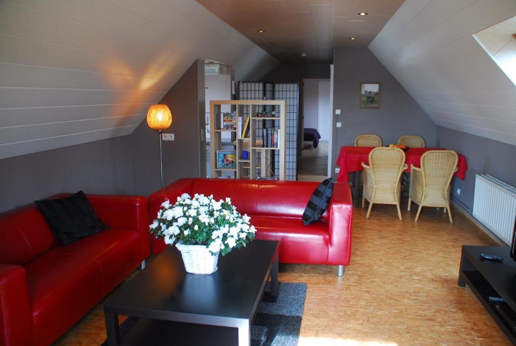 The lounge or bar area at De Rosmolen